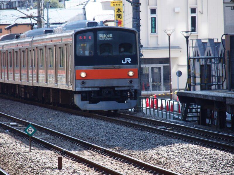 浮気調査や素行調査で対象者が電車で行動する場合