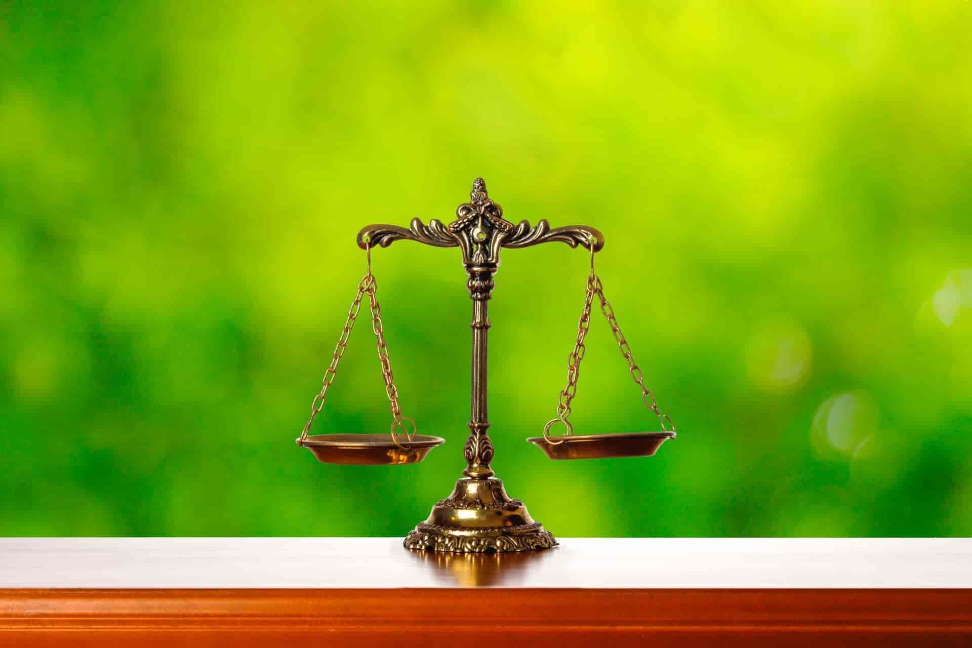 改正ストーカー規制法と改正DV防止法が成立