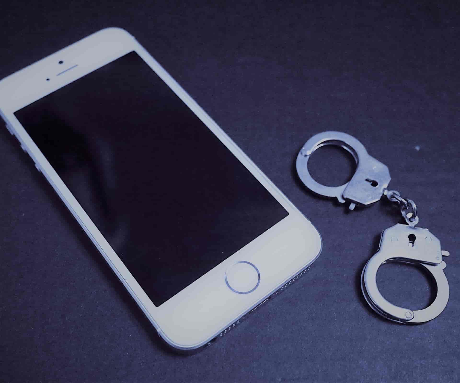 大阪半年間で15000回の110番通報をした女を逮捕